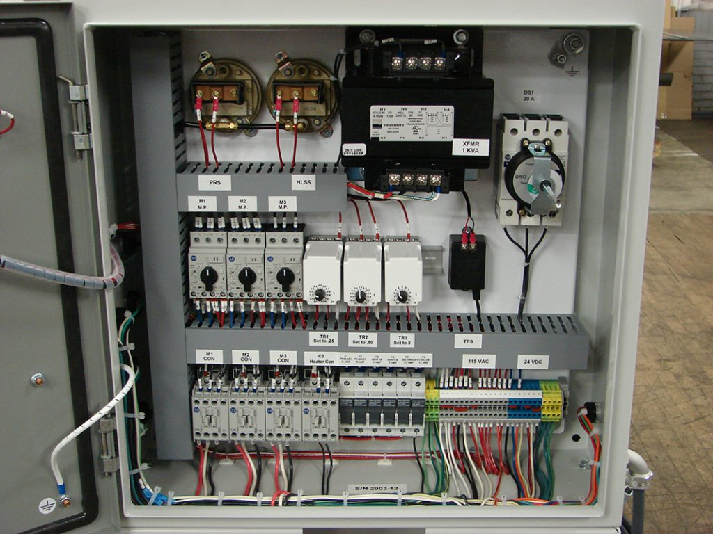 Panel to control a full system with a chiller, heater, magnetic separator and oil skimmer